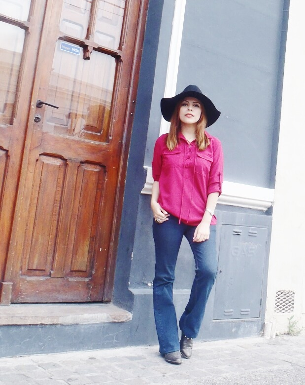 burgundy-lace-up-blouse-flare-jeans-fall2016-zaful-wide-trim-fedora-hat-wester-look-seventies-trend01