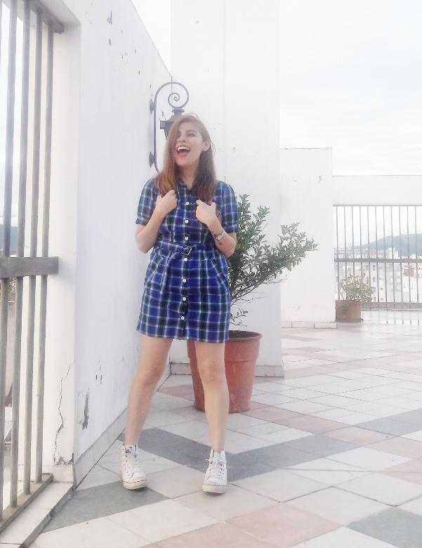 shirt-dress-blue-plaid-tartan-white-converse-fall2016trends-deborah-ferrero-stylebydeb01