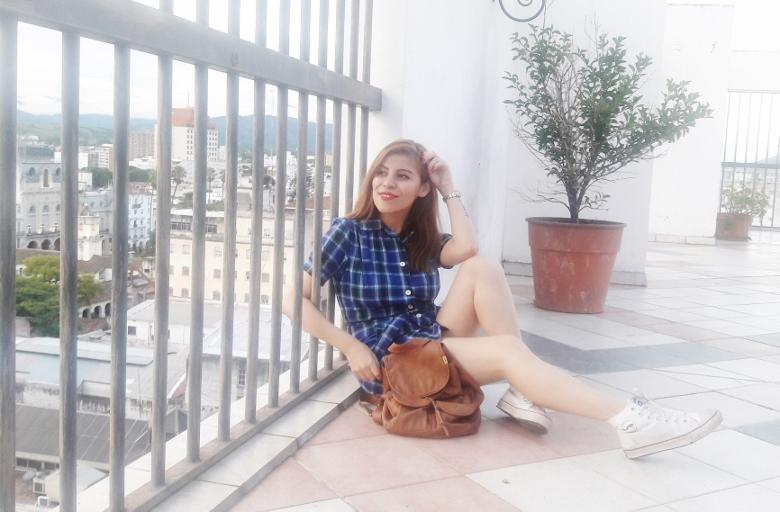 shirt-dress-blue-plaid-tartan-white-converse-fall2016trends-deborah-ferrero-stylebydeb04