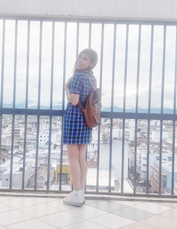 shirt-dress-blue-plaid-tartan-white-converse-fall2016trends-deborah-ferrero-stylebydeb06