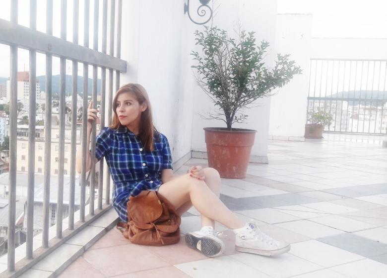 shirt-dress-blue-plaid-tartan-white-converse-fall2016trends-deborah-ferrero-stylebydeb10