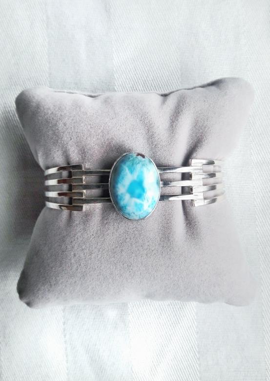 Larimar com atlantis stone healing gemstones larimar bracelet cuff turquoise accessories summer 2016 trend deborah ferrero style by deb 01