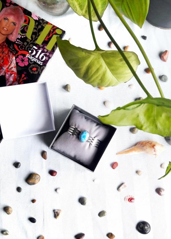 Larimar com atlantis stone healing gemstones larimar bracelet cuff turquoise accessories summer 2016 trend deborah ferrero style by deb 03 (557x780)