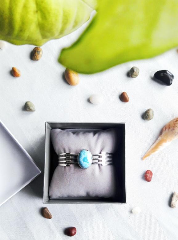 Larimar com atlantis stone healing gemstones larimar bracelet cuff turquoise accessories summer 2016 trend deborah ferrero style by deb 05
