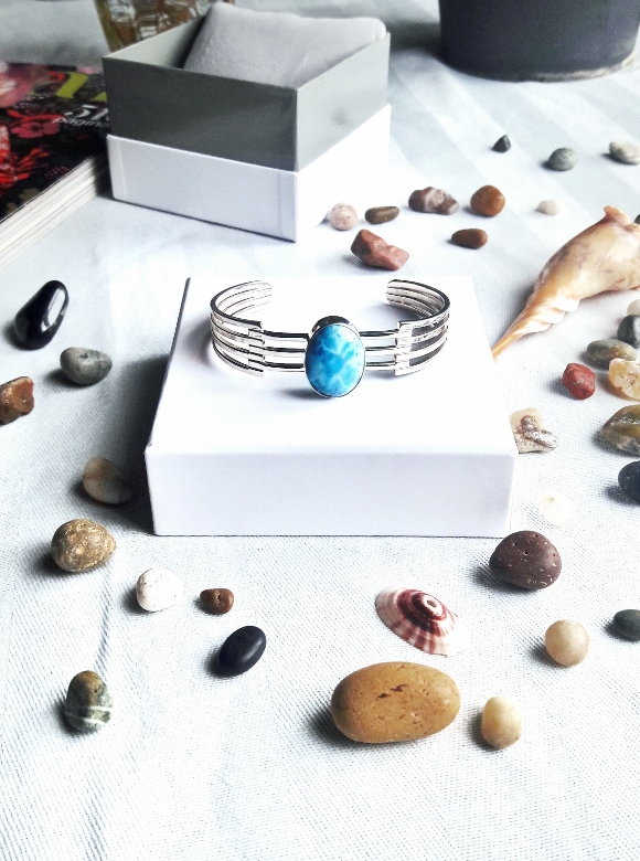 Larimar com atlantis stone healing gemstones larimar bracelet cuff turquoise accessories summer 2016 trend deborah ferrero style by deb 08