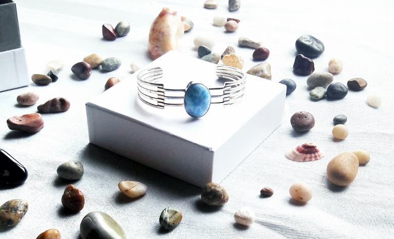 Larimar com atlantis stone healing gemstones larimar bracelet cuff turquoise accessories summer 2016 trend deborah ferrero style by deb 10