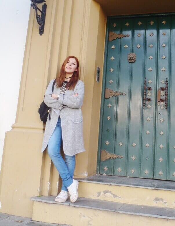 romwe gray long coat light blue jeans converse sneakers choker deborah ferrero streetstyle style by deb02