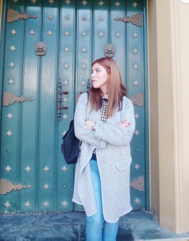 romwe gray long coat light blue jeans converse sneakers choker deborah ferrero streetstyle style by deb11