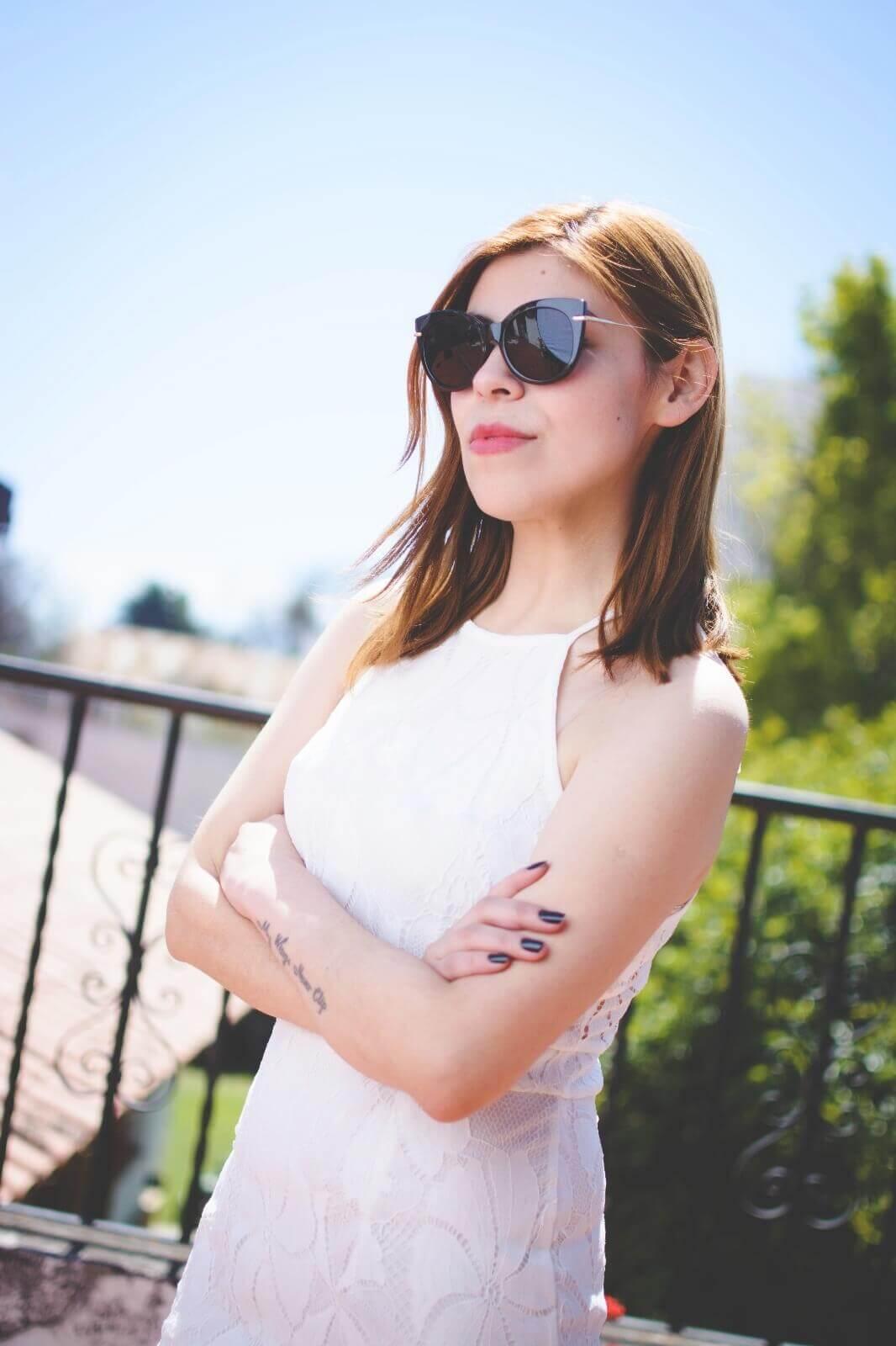 gamiss-white-lace-dress-halter-neck-dresses-cocktail-dresses-2016-zaful-black-suede-stilettos-deborah-ferrero-style-by-deb03