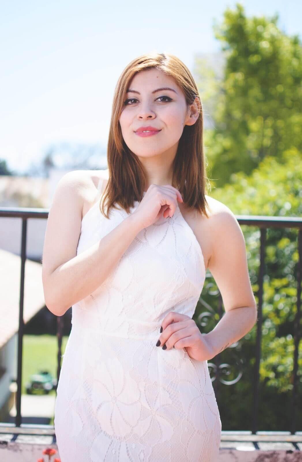 gamiss-white-lace-dress-halter-neck-dresses-cocktail-dresses-2016-zaful-black-suede-stilettos-deborah-ferrero-style-by-deb10
