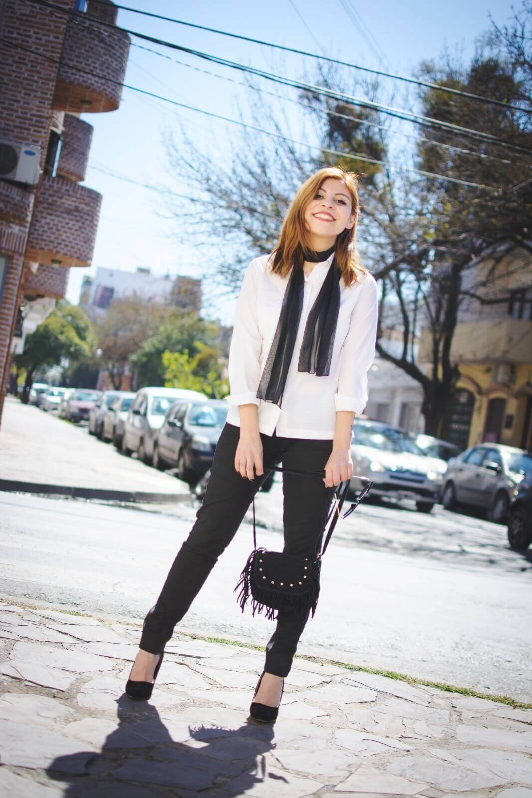 white-shirt-skinny-scarf-black-jeans-zaful-black-suede-shoes-deborah-ferrero-style-by-deb01