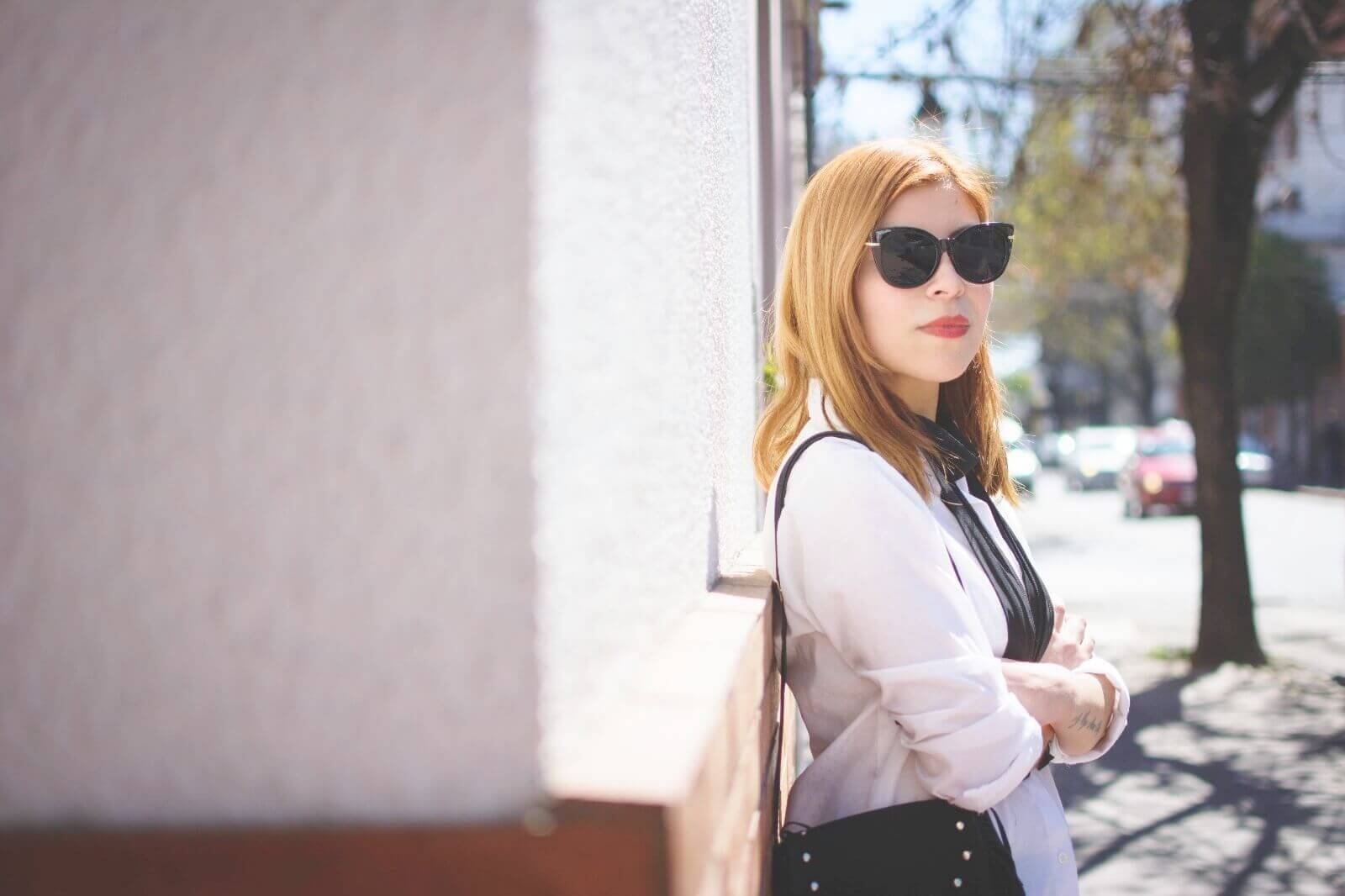 white-shirt-skinny-scarf-black-jeans-zaful-black-suede-shoes-deborah-ferrero-style-by-deb06