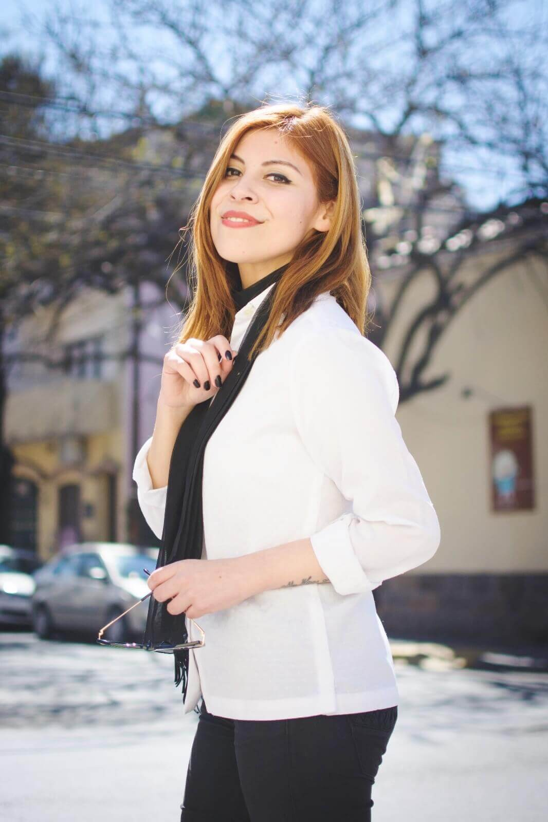 white-shirt-skinny-scarf-black-jeans-zaful-black-suede-shoes-deborah-ferrero-style-by-deb08