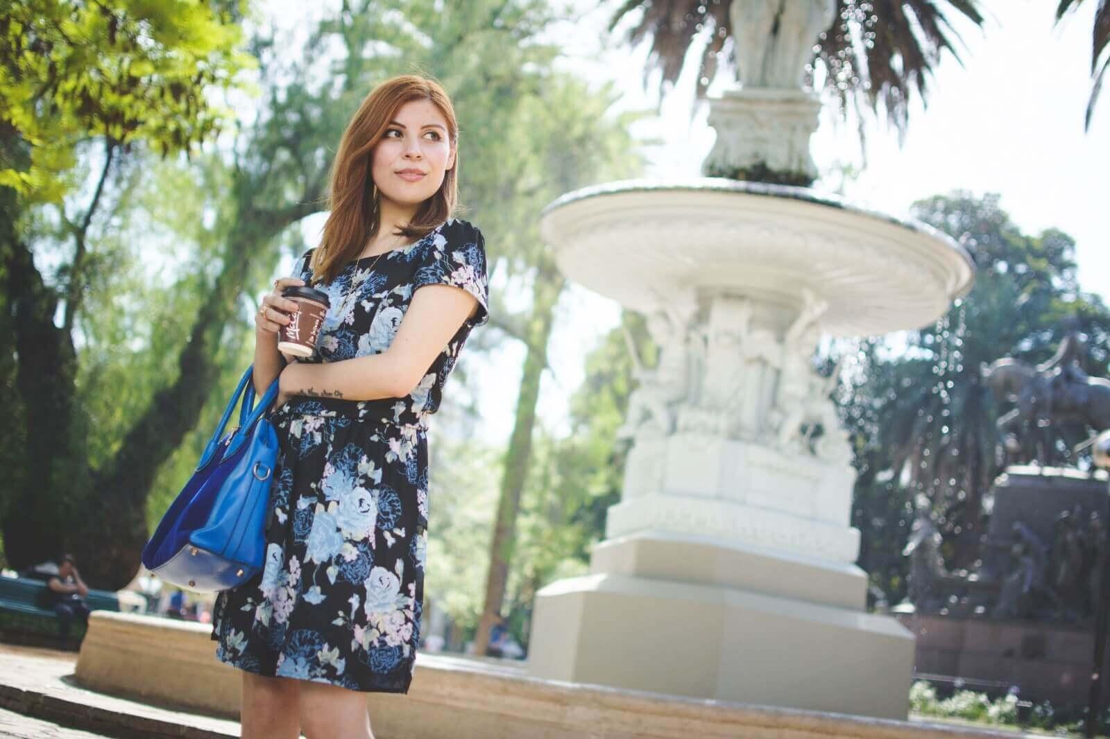 gamiss-black-strappy-sandals-blue-floral-dress-rosegal-cobalt-blue-tote-bag-deborah-ferrero-style-by-deb10
