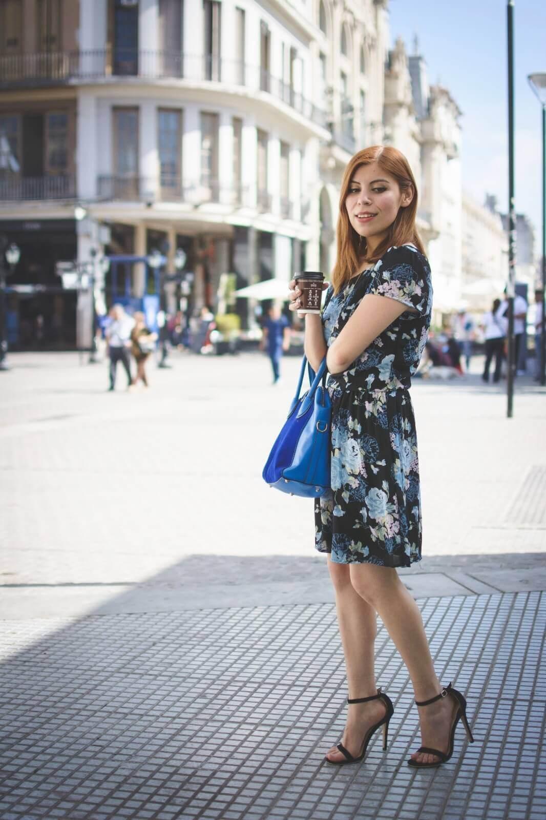 gamiss-black-strappy-sandals-blue-floral-dress-rosegal-cobalt-blue-tote-bag-deborah-ferrero-style-by-deb12