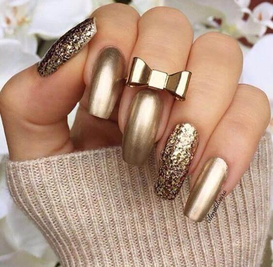 04-nailart-in-gold-cilene-silveira