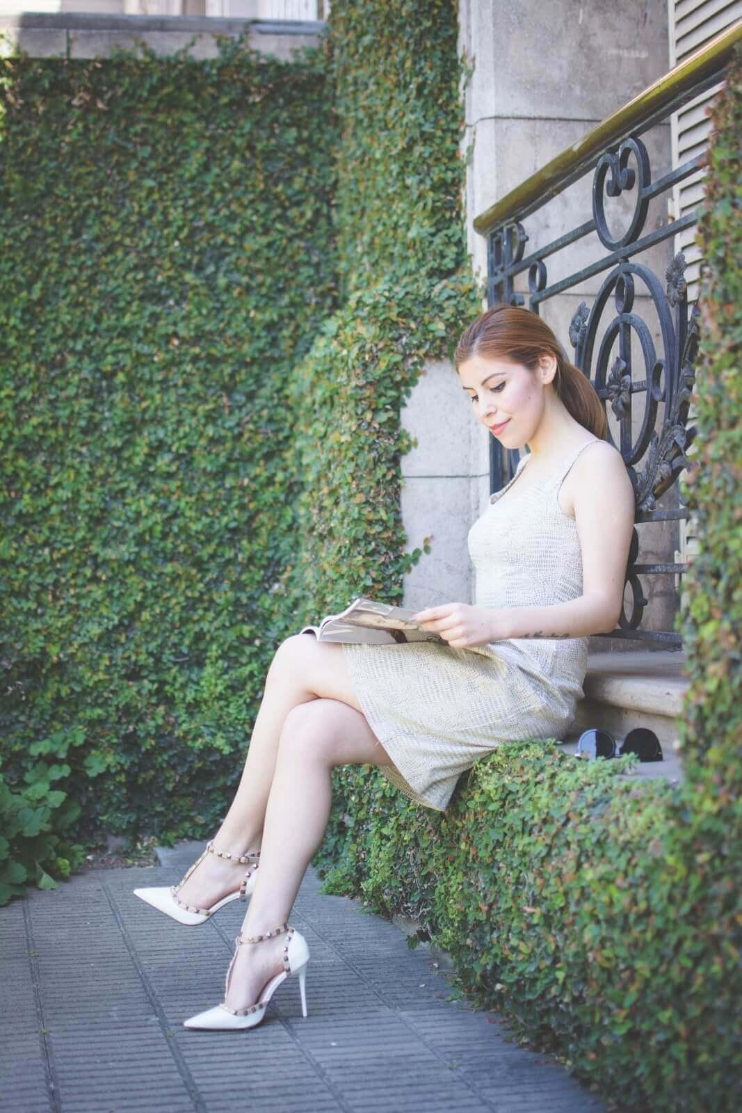 almond-white-dress-sammydress-stilettos-valentino-rockstud-imitation-deborah-ferrero-style-by-deb-ladylike08