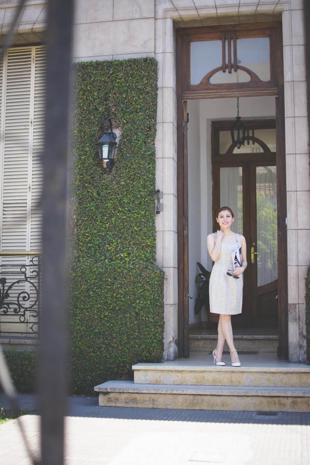 almond-white-dress-sammydress-stilettos-valentino-rockstud-imitation-deborah-ferrero-style-by-deb-ladylike09