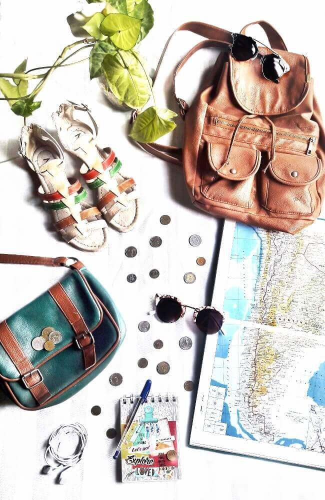 packing wisely style by deb summer holidays travel flatlay 02