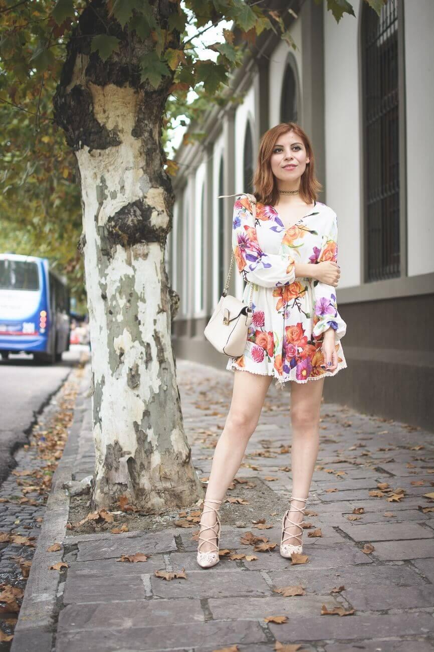 zaful floral romper nude lace up stiletto shoes laser cut pumps deborah ferrero streetstyle salta style by deb blogger argentina06