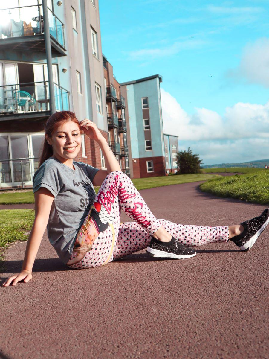 Style by Deb posing in Kukubird leggings