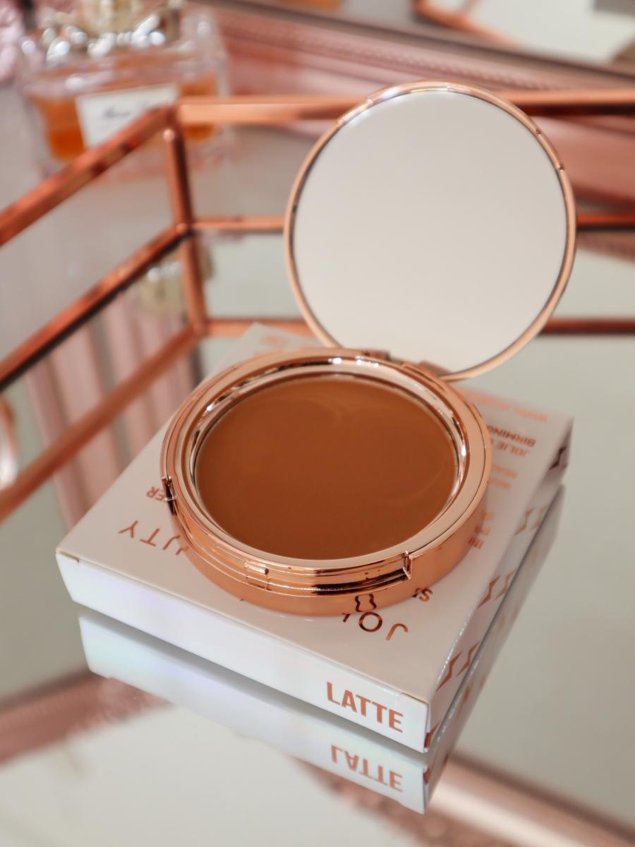 Jolie Beauty Second Skin Powder Bronzer shade 01 Latte