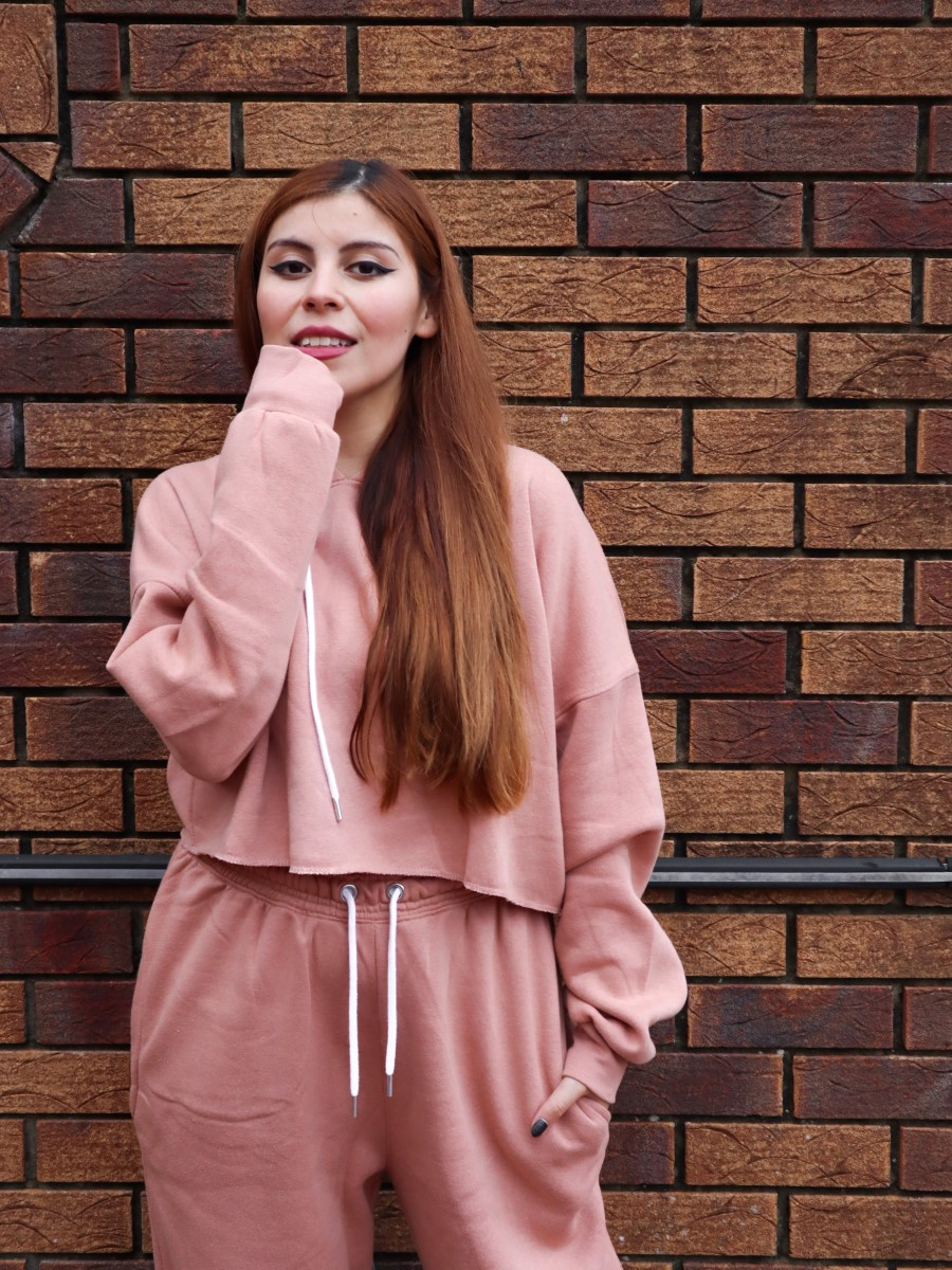 fashion blogger pink tracksuit