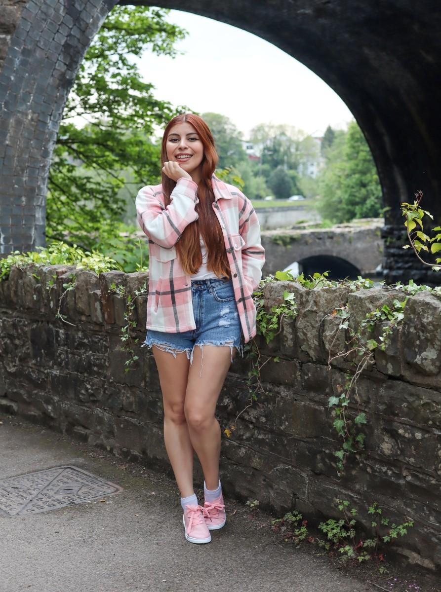 uk blogger femmeluxe shacket and shorts