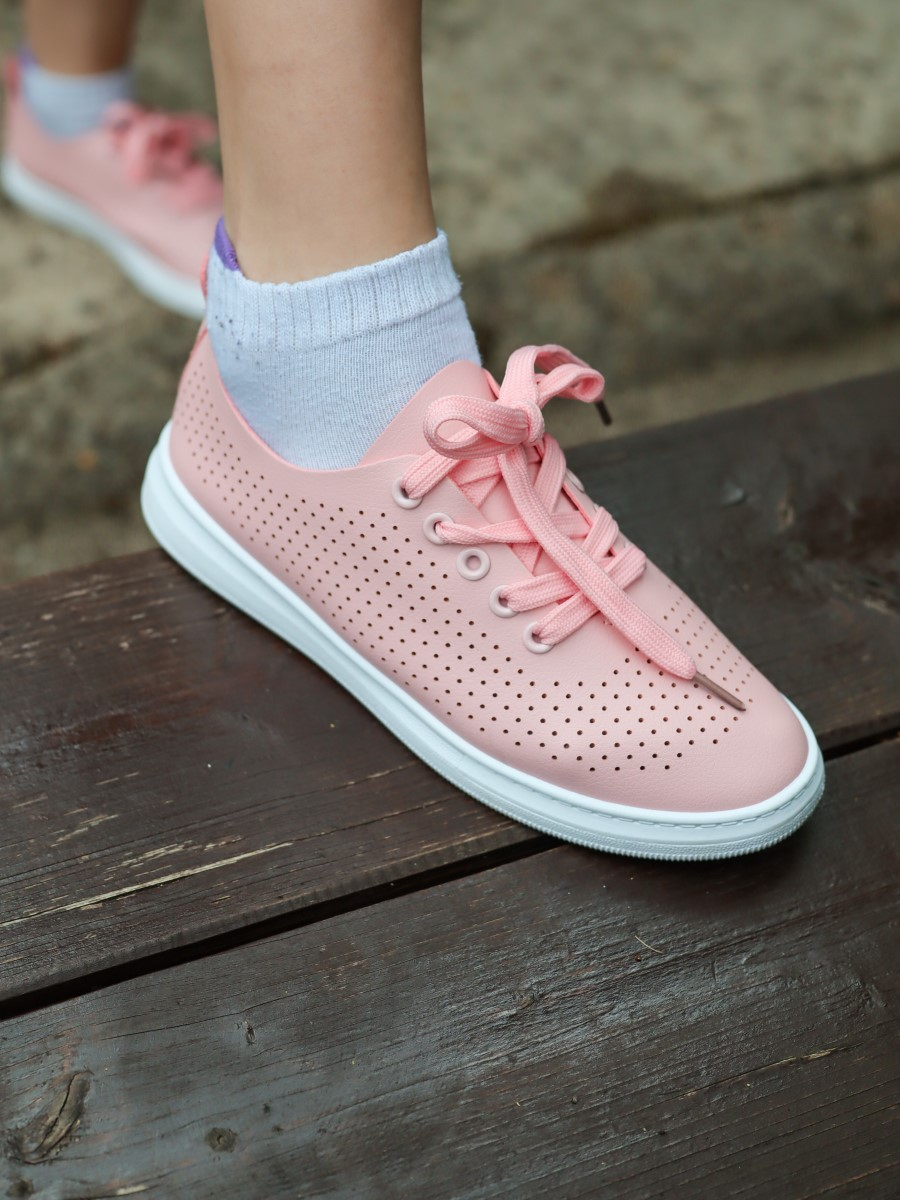 everything5pounds pink sneakers