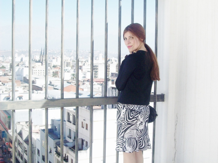Pattern-flared-skirt-zebra-fashion-blogger-streetstyle-officewear-10