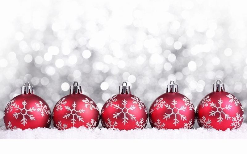 Red-Christmas-decorations-christmas-22228015-1920-1200 (1000x625) (800x500)