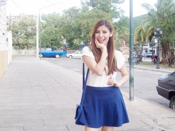 White-tshirt-summer2015-streetstyle-girly-05