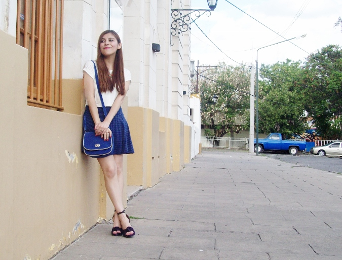 White-tshirt-summer2015-streetstyle-girly-07
