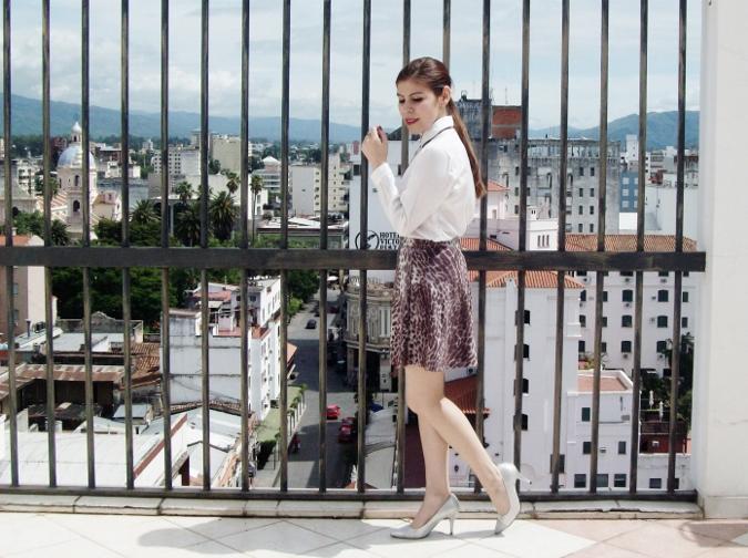 animal-print-skater-skirt-white-shirt-streetstyle-girly-01