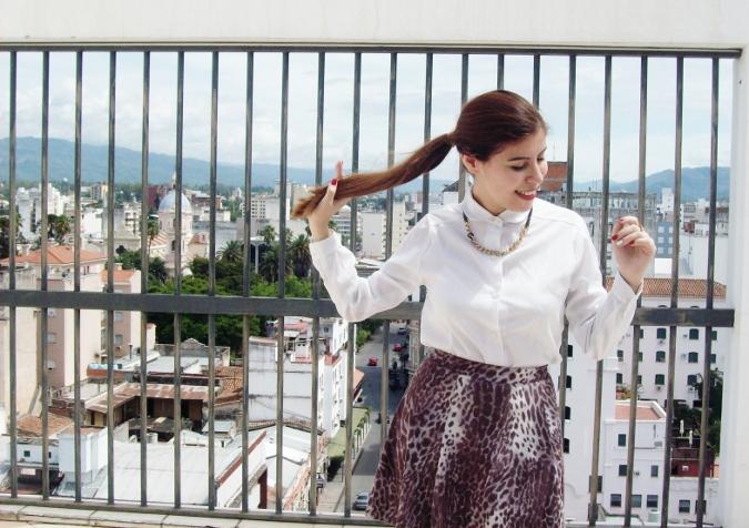animal-print-skater-skirt-white-shirt-streetstyle-girly03