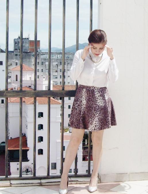 animal-print-skater-skirt-white-shirt-streetstyle-girly05