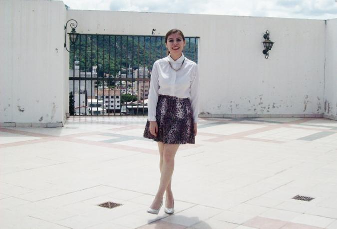 animal-print-skater-skirt-white-shirt-streetstyle-girly06