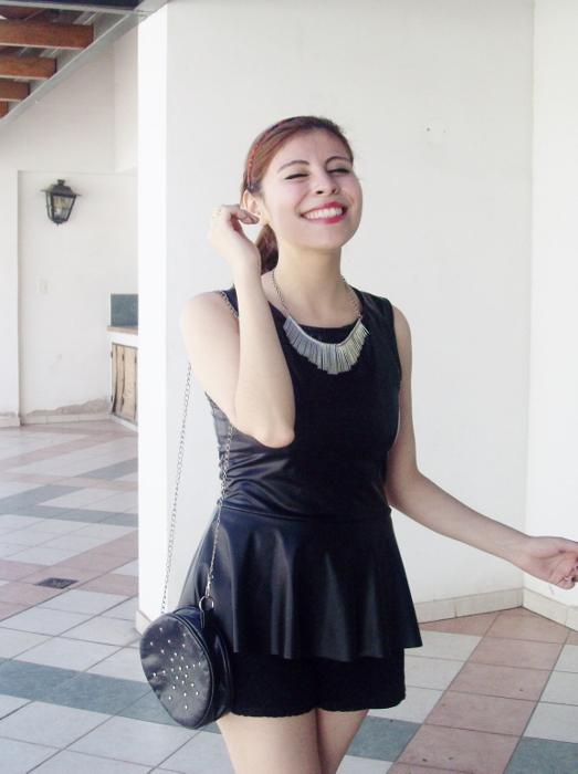 black-faux-leather-peplum-lace-shorts-streetstyle-blogger-summer2015 - 03