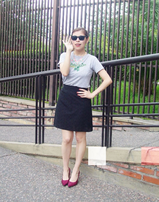 black-skirt-old-tshirt-pink-shoes-streetstyle-10