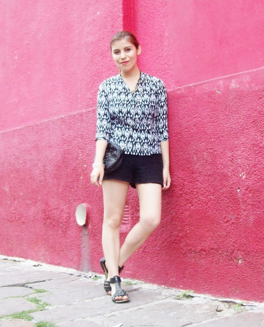 blackandwhite-printed-blouse-summer2015-streetstyle-casual02