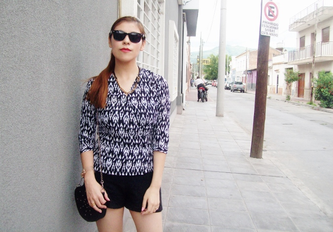 blackandwhite-printed-blouse-summer2015-streetstyle-casual09