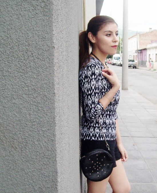 blackandwhite-printed-blouse-summer2015-streetstyle-casual10