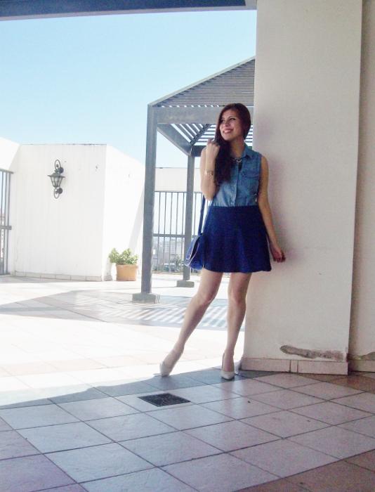 blue-denim-mini-white-streetstyle-summer07