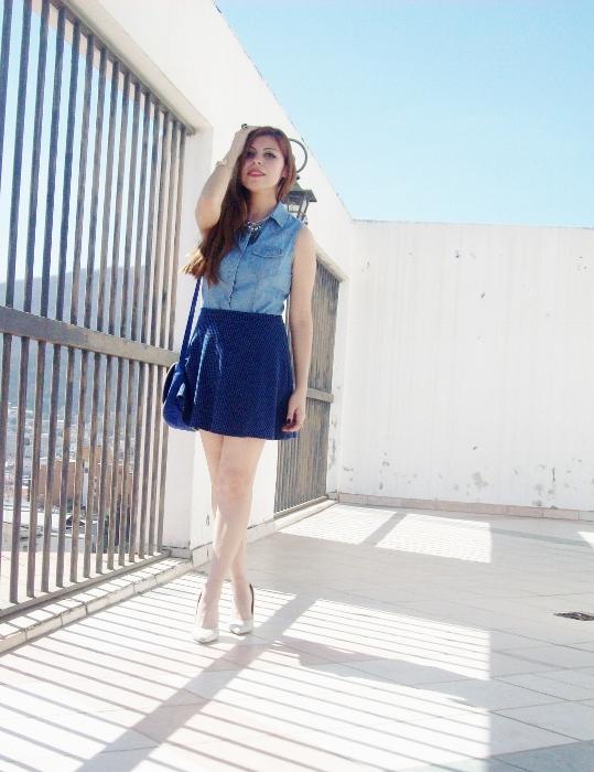 blue-denim-mini-white-streetstyle-summer08