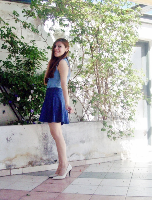 blue-denim-mini-white-streetstyle-summer11