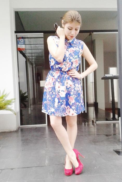 blue-floral-dress-pink-shoes-pumps-streetstyle-blogger-argentina0