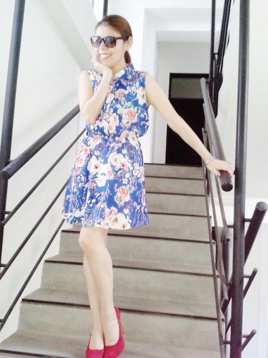 blue-floral-dress-pink-shoes-pumps-streetstyle-blogger-argentina07