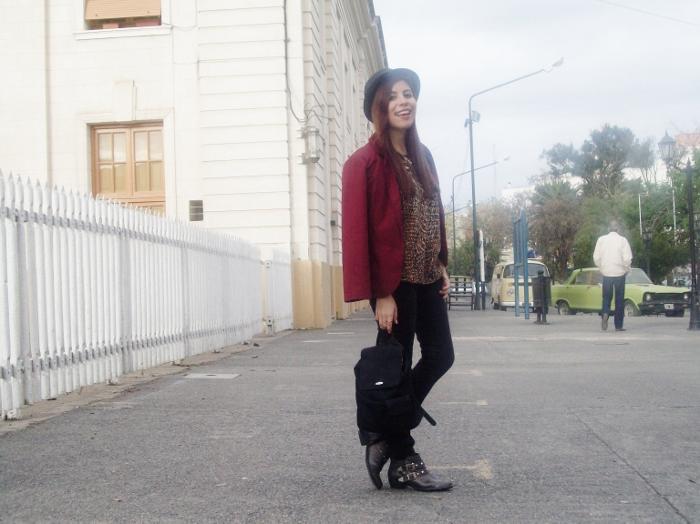fallwinter2015-blogger-streetstyle-burgundy-animal-print-ankle-boots-09