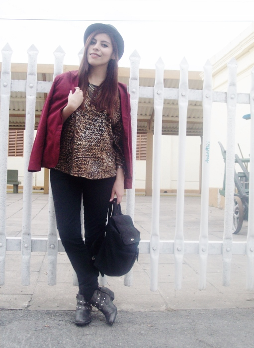 fallwinter2015-blogger-streetstyle-burgundy-animal-print-ankle-boots-13