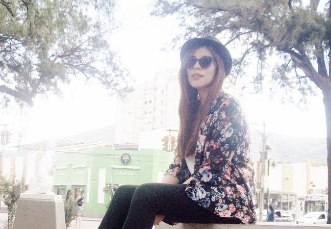 kimono-floral-fall2015-summer2015-boho-chic-streetstyle17